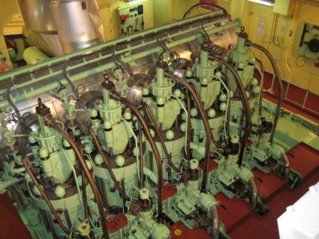 Marine Diesel Engine 2 Stroke And 4 Engines